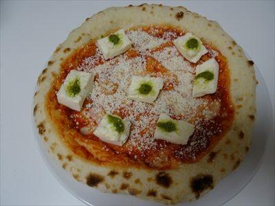 森山ピザ、箱の中身、ダブルチーズマルゲリータ