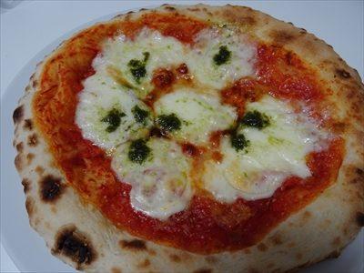 森山ピザ、箱の中身、ダブルチーズマルゲリータ、焼いたあと
